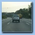 [Legg merke til skilte på bilen....]